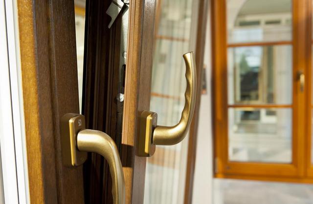 Почему для деревянных окон так важен качественный оконный брус?